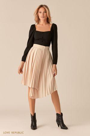 Плиссированная юбка с асимметрией кремового цвета фото