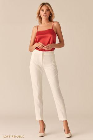 Базовые молочные брюки со стрелками фото