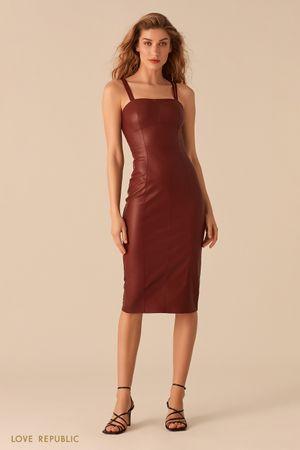 Платье прилегающего силуэта из экокожи винного цвета фото