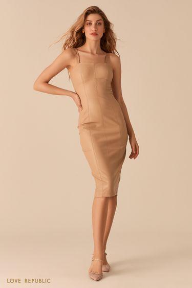 Платье прилегающего силуэта из экокожи кремового цвета 0357219518