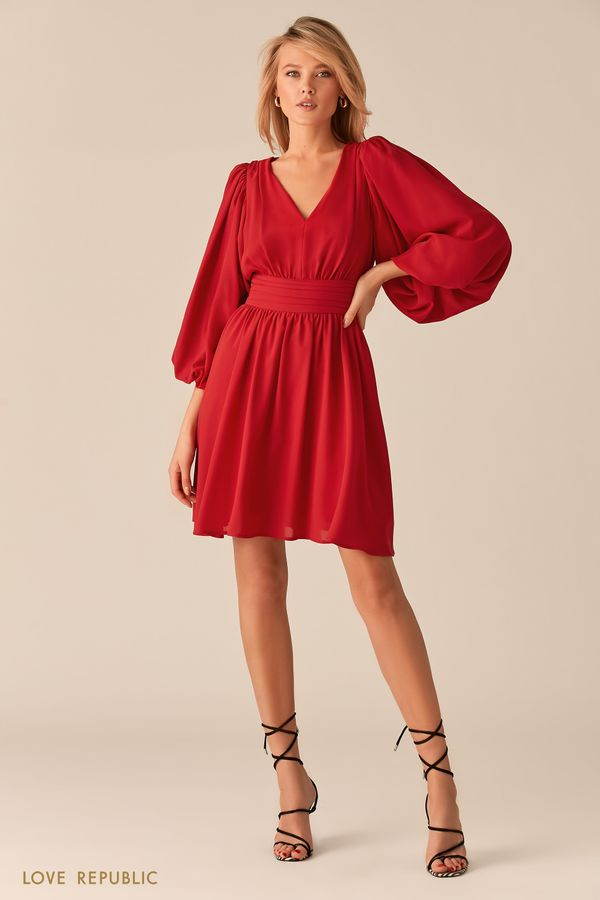 Летящее платье с акцентным поясом на талии 0357232558-75