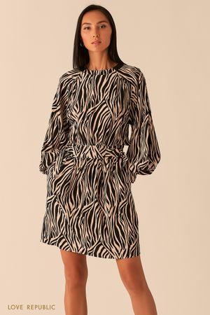 Бежевое платье с объемными рукавами реглан фото