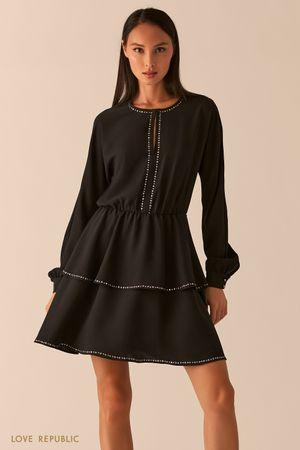 Черное платье с ярусным подолом фото