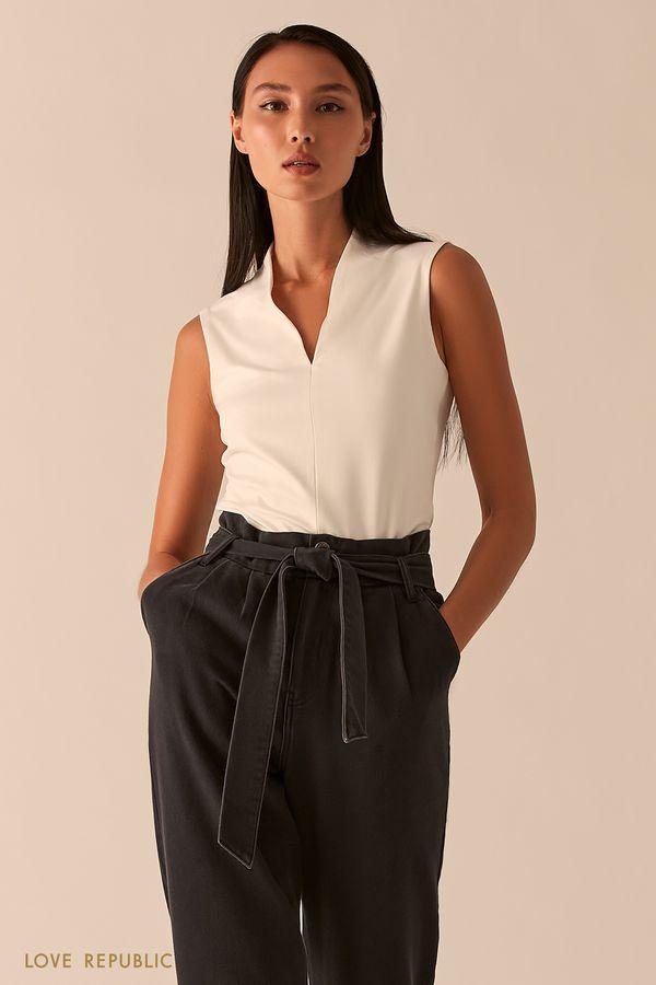 Бежевая блузка с V-образным вырезом 0358123379-62