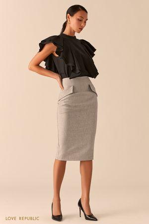 Серая юбка-карандаш с карманами на клапане фото