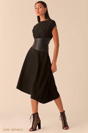 Черное асимметричное платье с кожаным косым корсетом фото