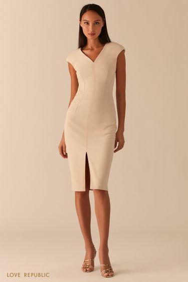Платье-футляр с треугольным вырезом и разрезом 0358224522