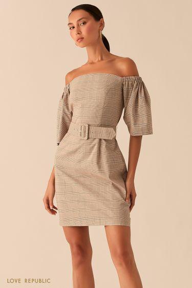 Бежевое платье с открытыми плечами и принтом в клетку 0358236536