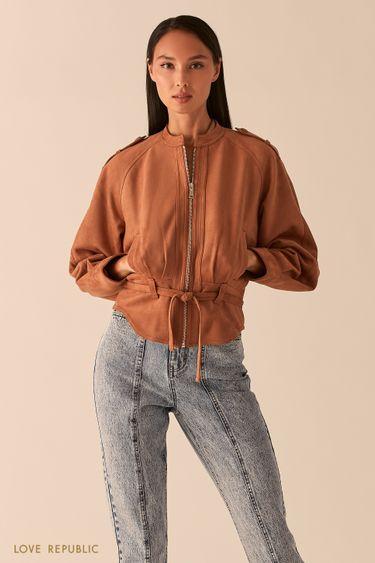Объемная куртка из экозамши с поясом песочного оттенка 0358293106