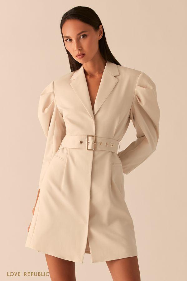 Платье-пиджак с объемными рукавами и поясом на талии кремового цвета 0358208503-61
