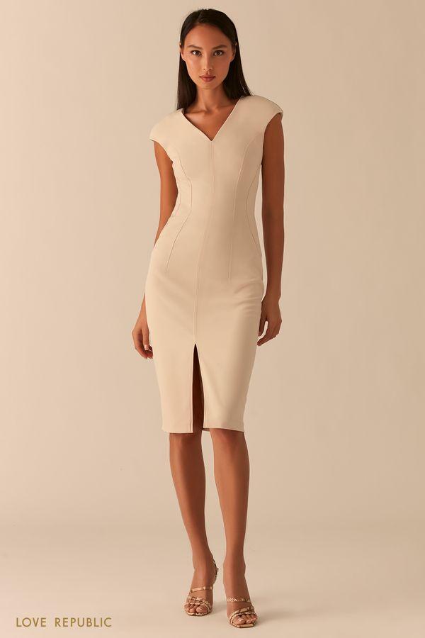 Черное платье-футляр с треугольным вырезом и разрезом 0358224522-50