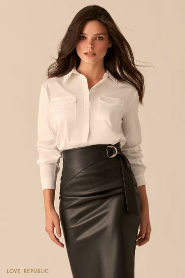 Рубашка белого цвета с накладными карманами на груди 0359053349