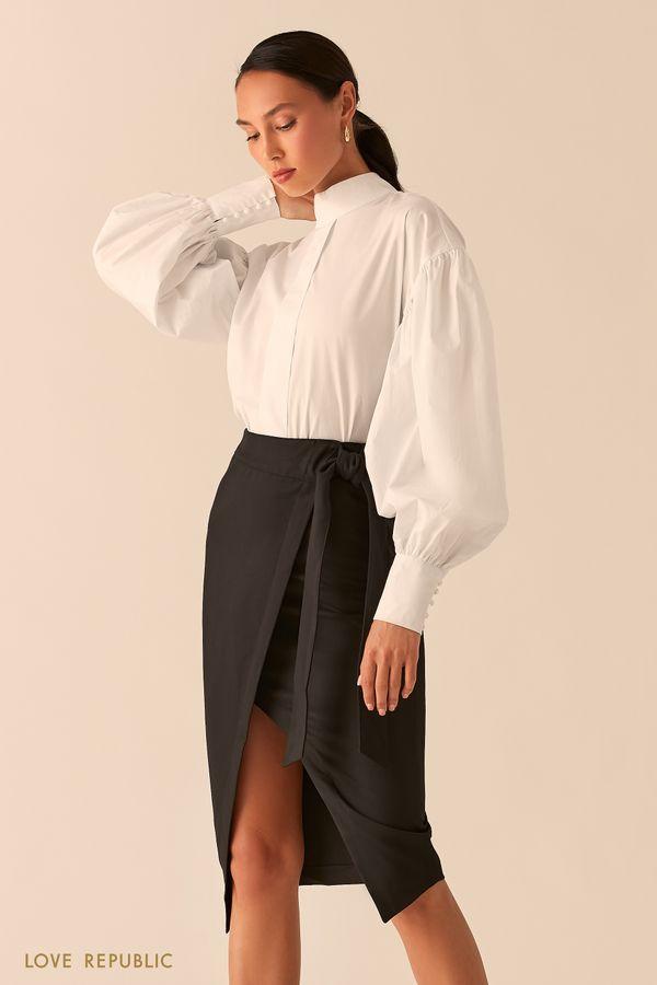 Белая блузка с воротником-стойкой и вырезом на спине 0359065363-1