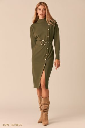 Платье с асимметричным рядом пуговиц и разрезом цвета хаки фото