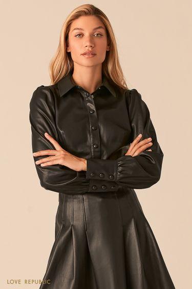 Черная приталенная блузка из экокожи с объемными рукавами 0359206348
