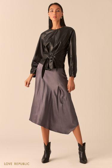 Объемная черная блузка из экокожи с вшитым поясом 0359209304