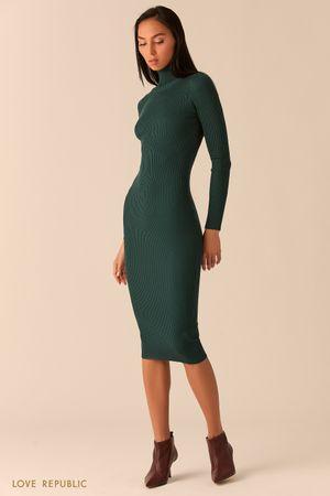 Платье из рельефного трикотажа с высоким горлом изумрудного цвета фото