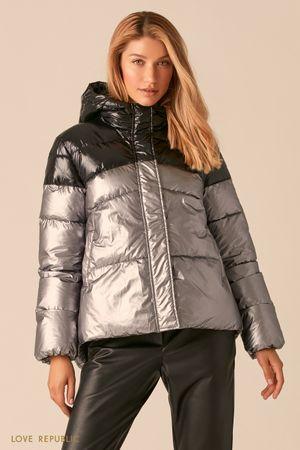 Стеганая куртка серебряного цвета с черными вставками фото