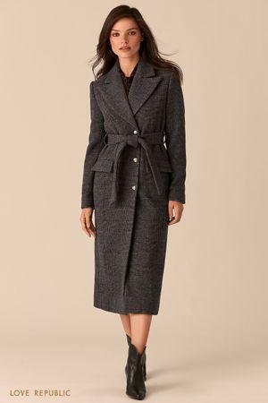 Серое приталенное пальто с широкими лацканами и принтом в клетку