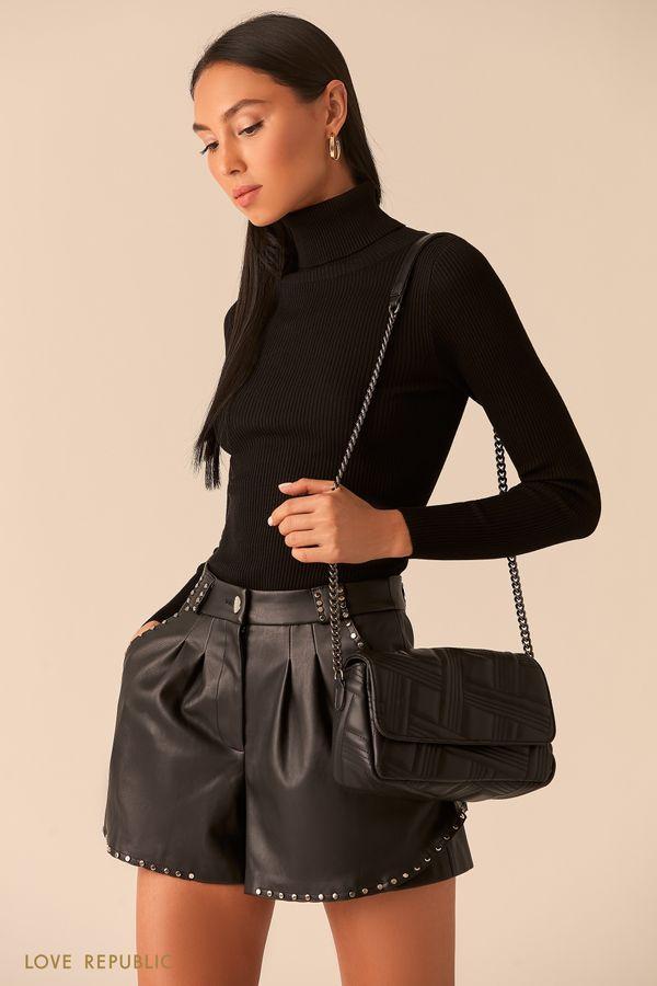 Фактурная черная сумка-багет на цепочке 044020142-50