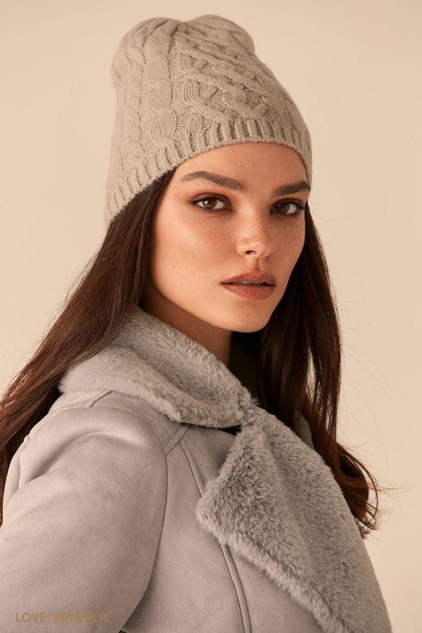 Шерстяная шапка-бини с фактурными косами 044029005-90