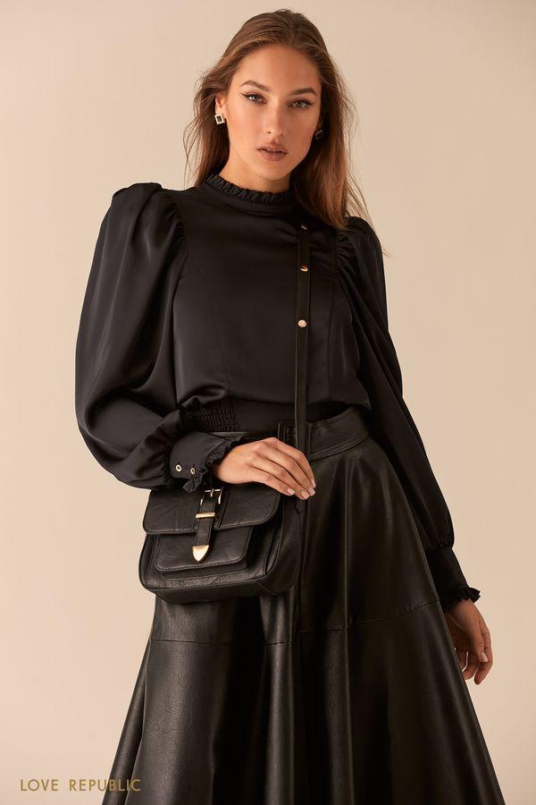 Чёрная сумка кросс-боди с декоративным ремешком на клапане 044120145-50