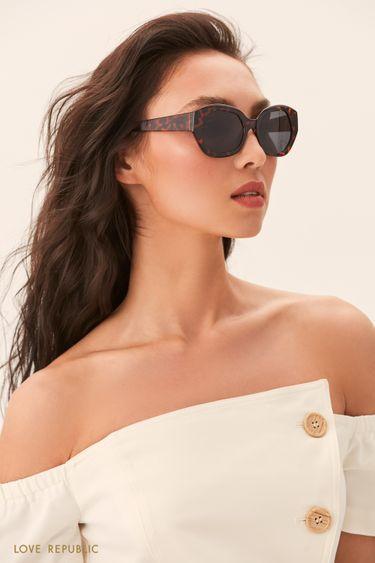 Солнцезащитные очки с черепаховой оправой 044436002