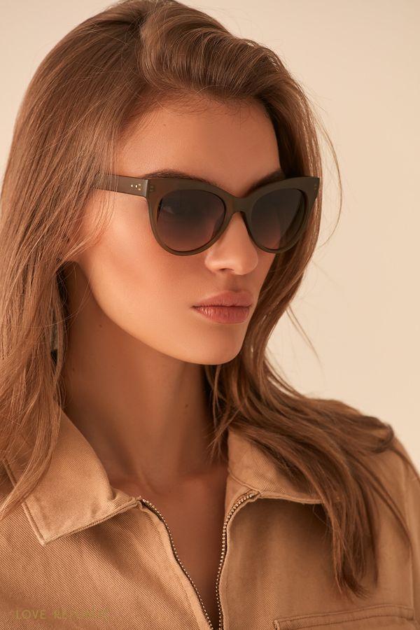 Солнечные очки с оправой цвета хаки 044436003-13