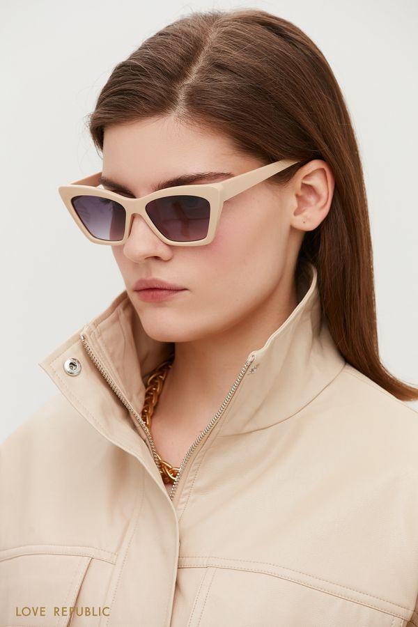 Солнцезащитные очки с бежевой оправой 044536008-60