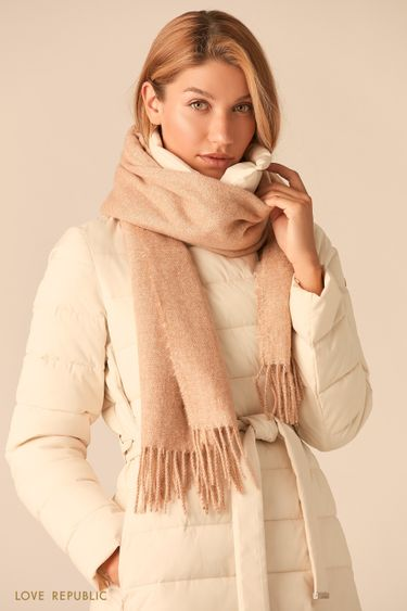 Широкий молочный шарф с плетеной бахромой 044915004