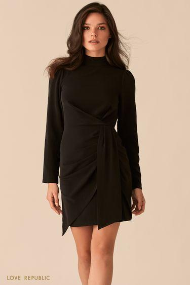 Черное мини-платье с акцентными драпировками на бедрах 0450018533