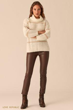 Молочный oversize свитер крупной вязки в полоску