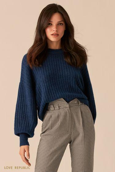 Синий oversize свитер с объемными рукавами 0450302802