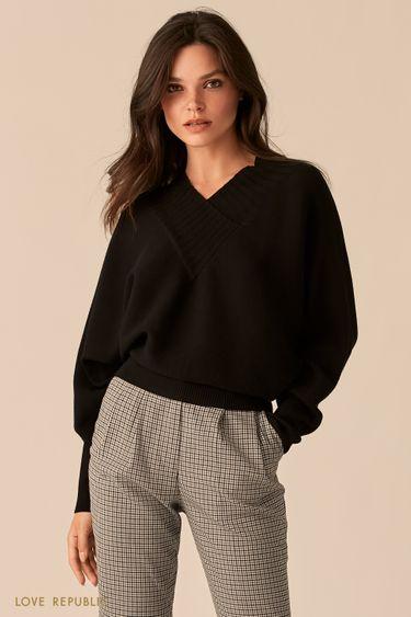 Фактурный черный oversize свитер с V-образным вырезом 0450305805