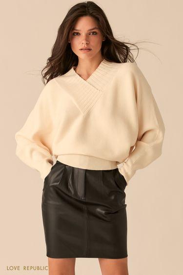 Фактурный молочный oversize свитер с V-образным вырезом 0450305805