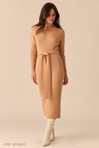 Платье-лапша с поясом на талии и V-образным вырезом бежевого цвета 0450315506