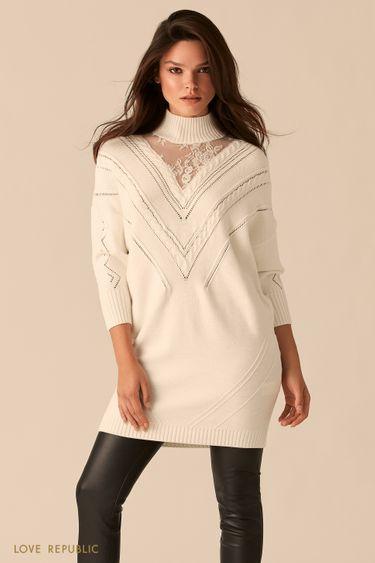 Трикотажное молочное мини-платье с кружевным декольте 0450377554