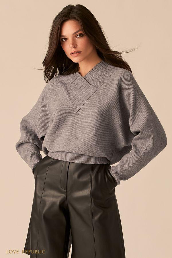 Фактурный бежевый oversize свитер с V-образным вырезом 0450305805-62