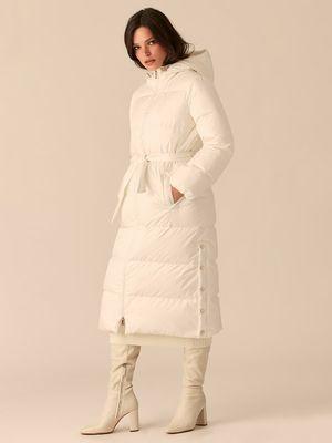 Стеганое пальто-пуховик с поясом на талии