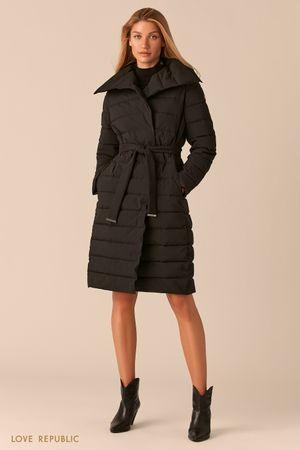 Черное стеганое пальто с регулируемым отложным воротником фото