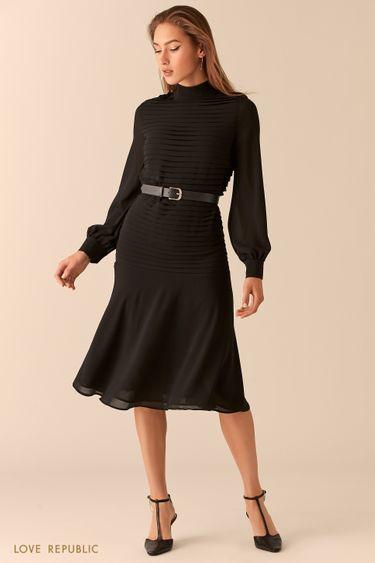 Летящее платье с акцентными оборками и ремнем 0451018551
