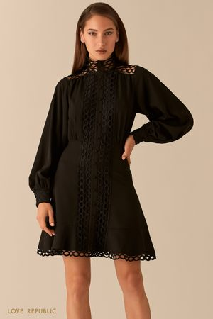 Платье с кружевной отделкой и рукавами-буфами