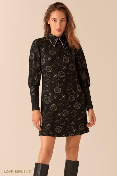 Платье А-силуэта с акцентным воротничком и астро-принтом 0451238556