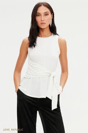 Блузка с баской и вшитым поясом