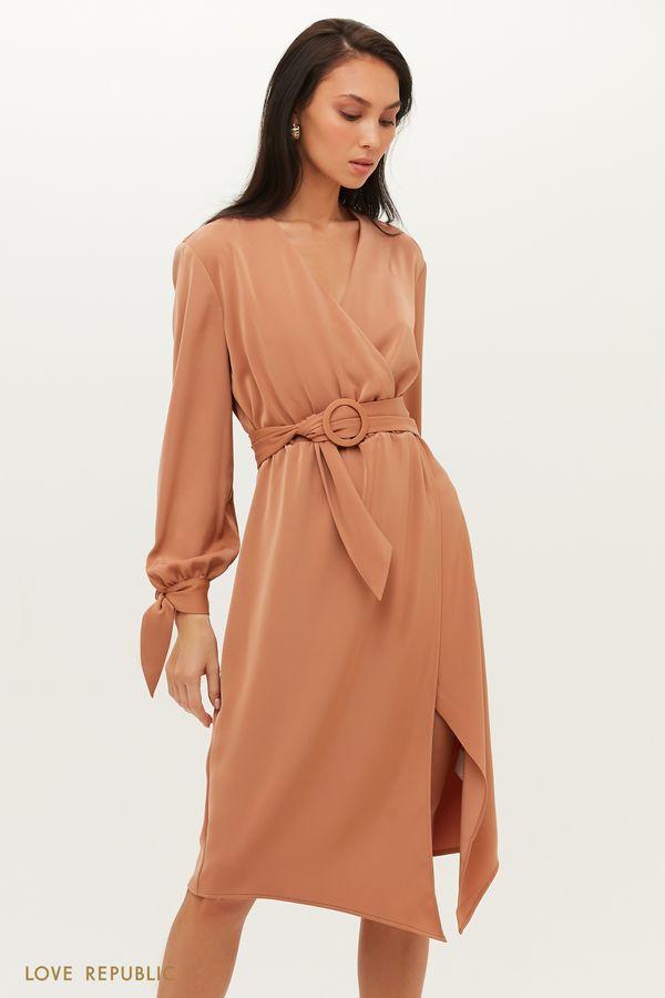 Бежевое платье с запахом с атласным поясом 1151258552-62