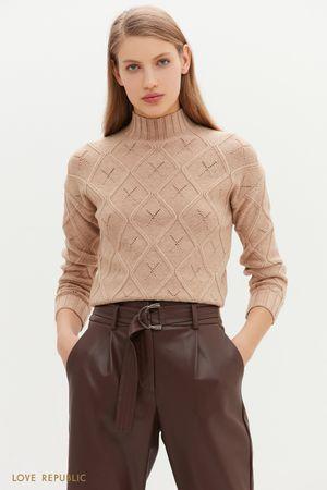 Теплый свитер с фигурным рельефом и перфорацией