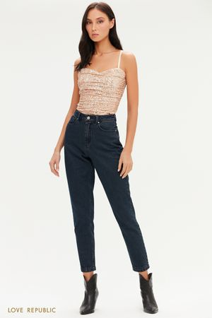 Укороченные джинсы mom на кокетке
