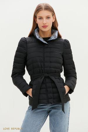 Черная стеганая куртка с поясом на талии