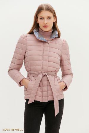 Тонкий пуховик со стеганой фактурой и поясом на талии в розовом цвете