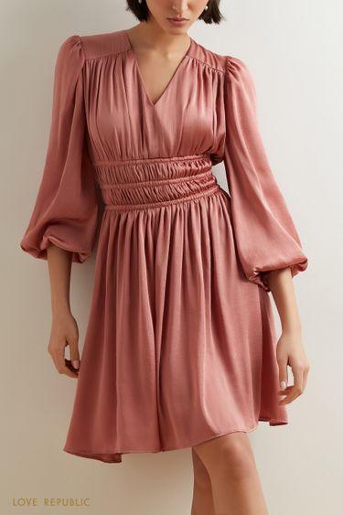 Струящееся платье-миди с плиссировкой на талии 1152043532